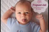 ребенок с высунутым языком