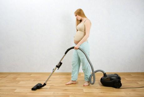 Домашние дела для беременной женщины: когда нужно быть осторожной