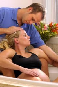 Можно ли купаться при беременности в ванной